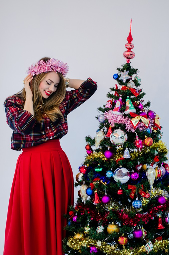 christmas-outfit-red-happiness-decorations