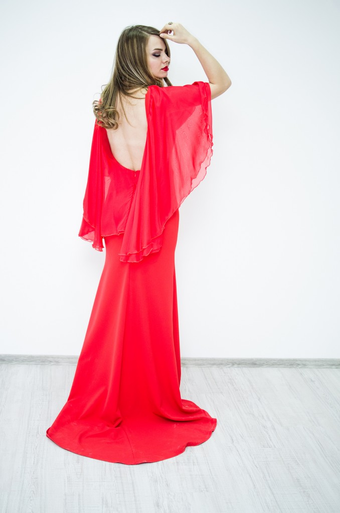 nye-outfit-red-backless-dress-lyz-boutique 3