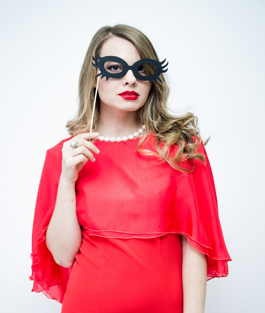 nye-outfit-red-dress-lyz-boutique-mask