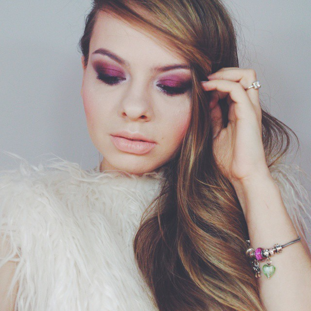 We all need color in our lives! #pinkwish #makeup #color #lotd #motd #lookoftheday #makeupoftheday #nude #pink #fluffy #blonde #eyeshadow #makeuprevolution