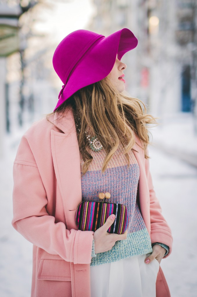 pastel-outfit-winter-pink-coat-pink-fedora-hat