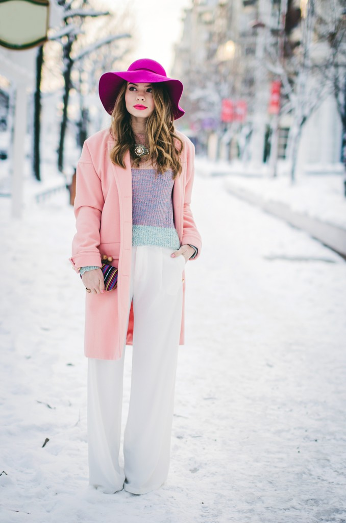 pastel-outfit-winter-white-wide-pants-pink-coat-pink-hat 3