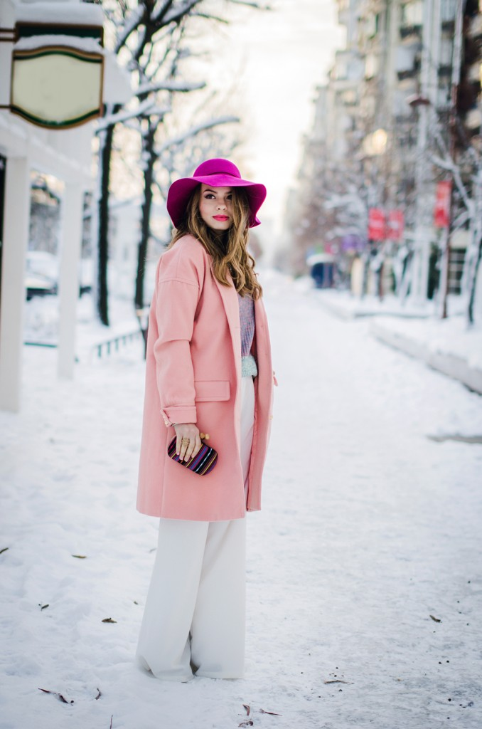 pastel-outfit-winter-white-wide-pants-pink-coat-pink-hat 4