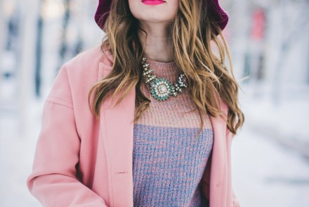pastel-outfit-winter-white-wide-pants-pink-coat-pink-hat