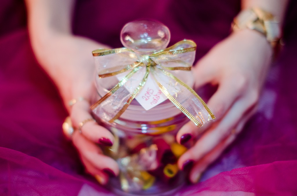 resolutions-jar-wishes-thankful-tulle