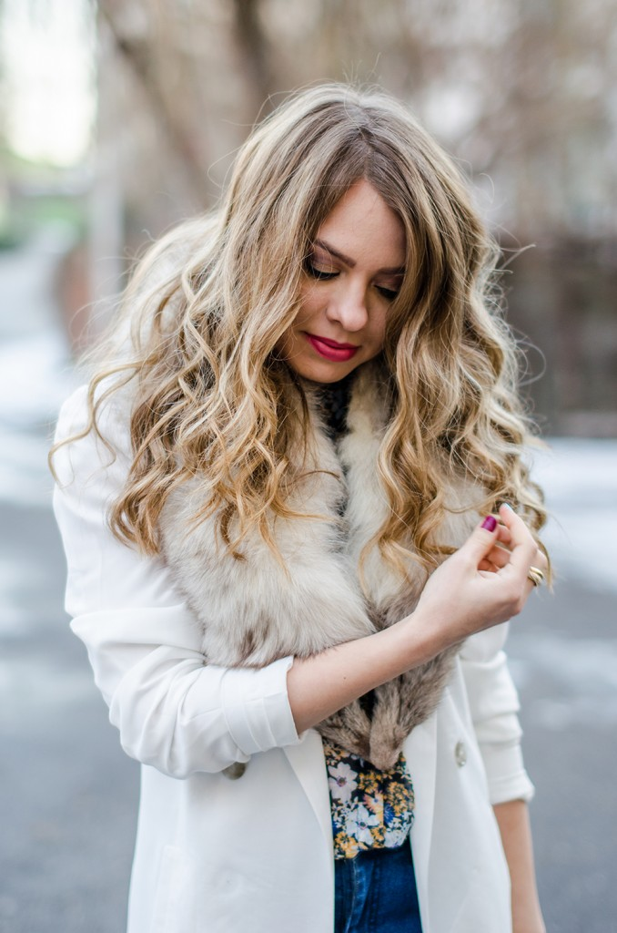 white-blazer-fur-collar-blonde-curls