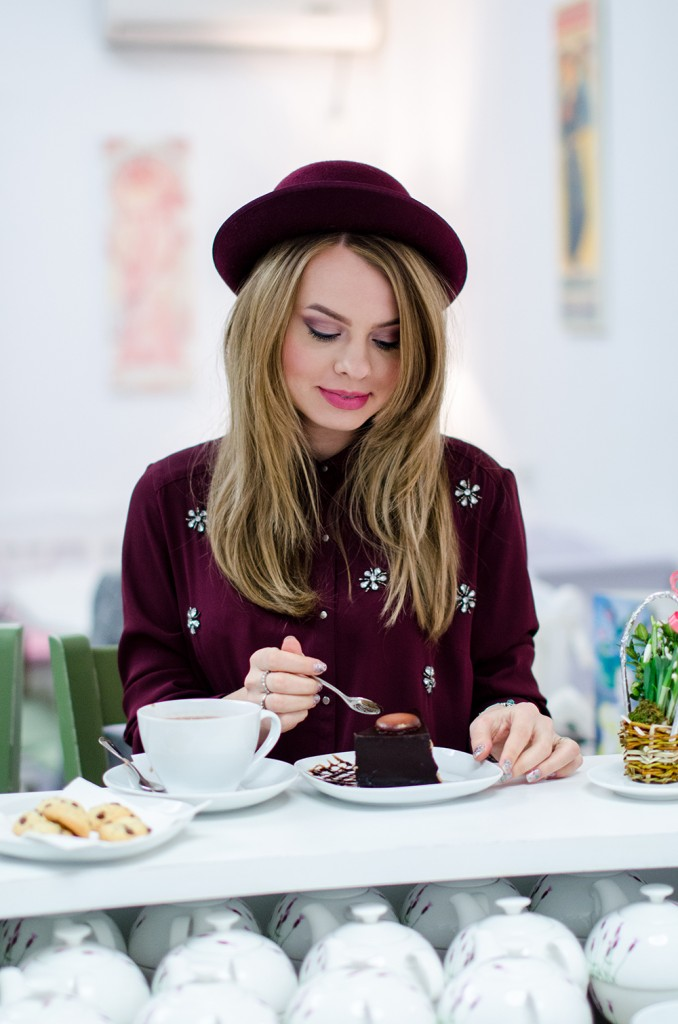 marsala-embellished-shirt-hat-tea-house-coffee