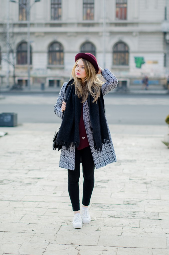 marsala-shirt-marsala-hat-white-sneakers-black-and-white-coat (6)