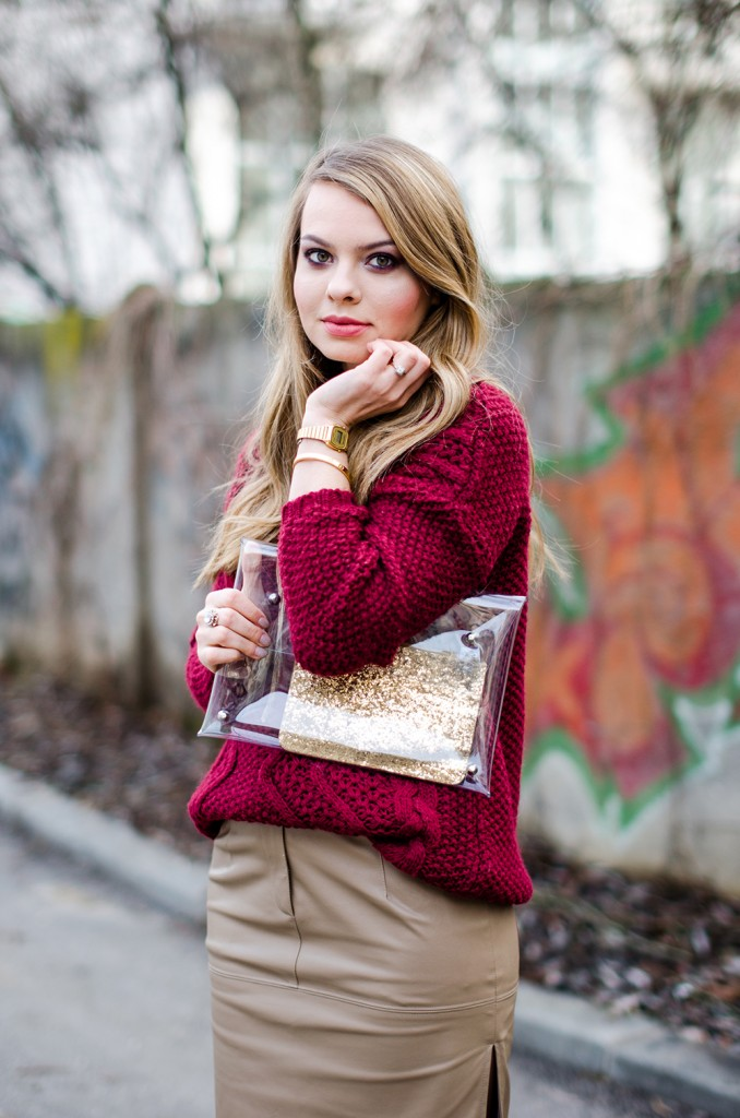 marsala-sweater-beige=leather-skirt-fur-scarf-transparent-clutch-1
