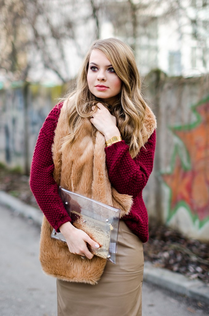 marsala-sweater-beige=leather-skirt-fur-scarf-transparent-clutch