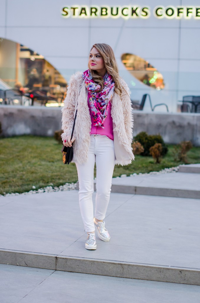 pink-fluffy-coat-white-pants-metallic-sneakers 3