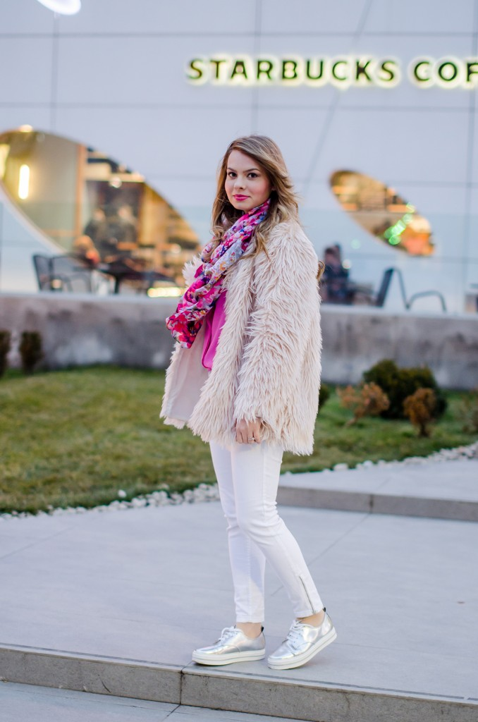 pink-fluffy-coat-white-pants-metallic-sneakers 7