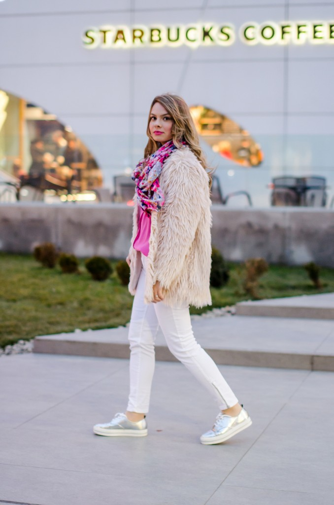 pink-fluffy-coat-white-pants-metallic-sneakers 9