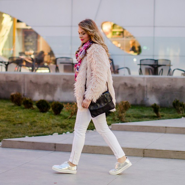 A new post is up! Check out the blog! #pinkwish#pinkwishoutfits #pink #ootd #outfitoftheday #lotd #lookoftheday #blogger #fashionblogger #fashion #style #fur #metallic