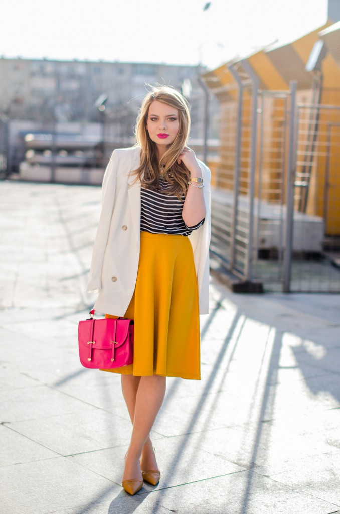 Stradivarius-midi-mustard-skirt-bershka-striped-blouse-white-blazer-pink-bag-outfit (1)