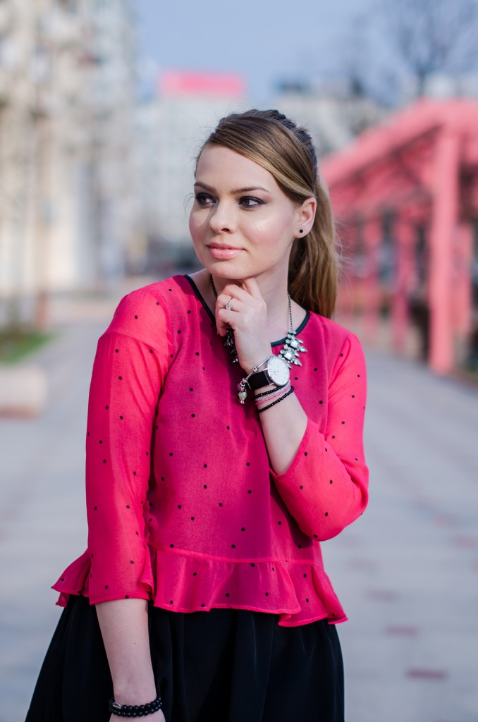 pink-polka-dots-ruffle-blouse-glen-print-coat-daniel-wellington (3)