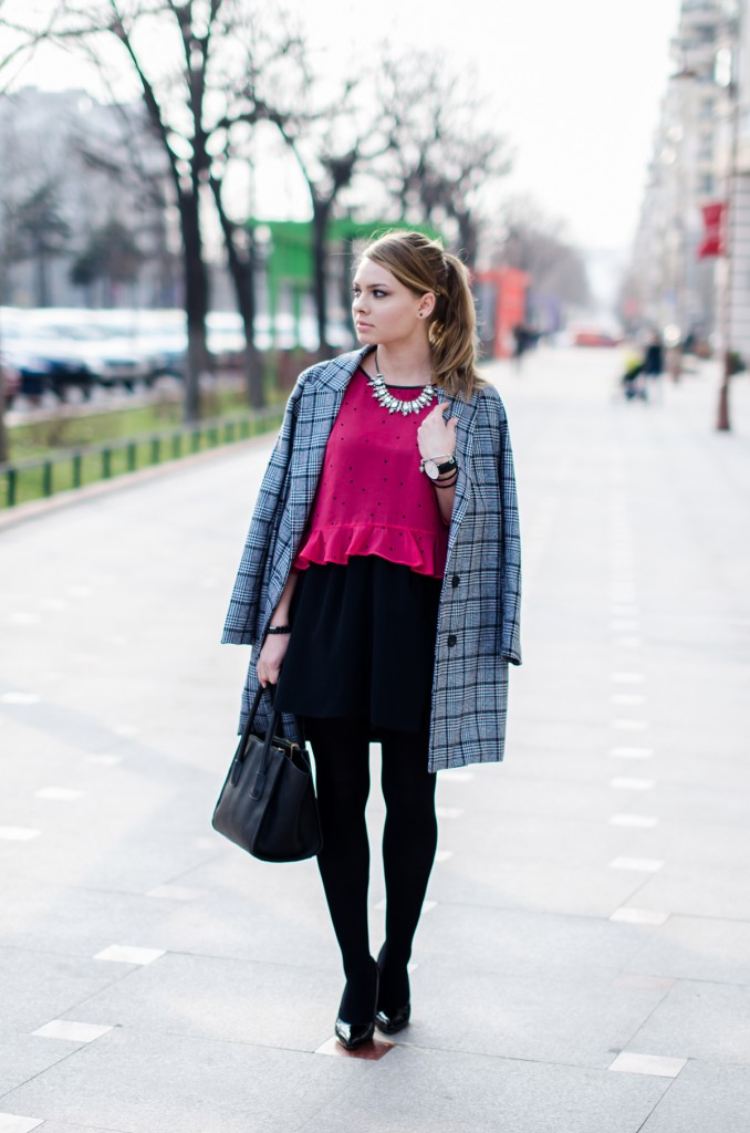 pink-polka-dots-ruffle-blouse-glen-print-coat-daniel-wellington (4)