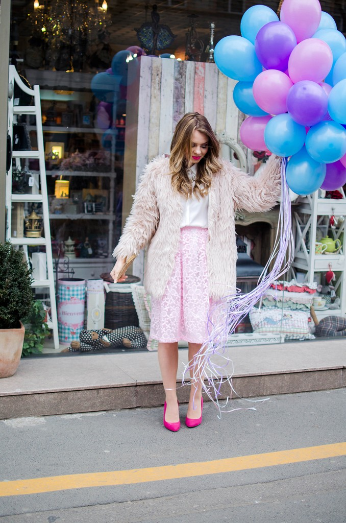 spring-outfit-pink-floral-embroidered-midi-skirt-white-shirt-baloons-feminine-pink-heels-pink-wish-oana-nutu (11)
