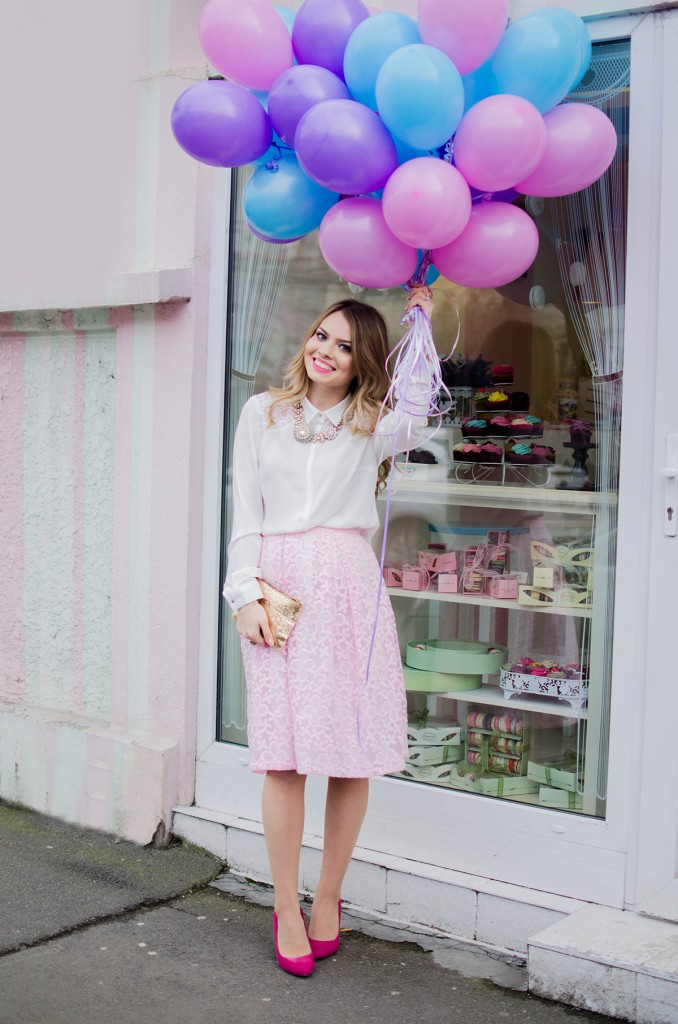 spring-outfit-pink-floral-embroidered-midi-skirt-white-shirt-baloons-feminine-pink-heels-pink-wish-oana-nutu (17)