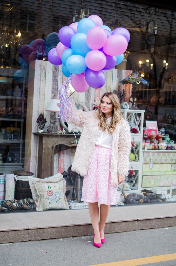 spring-outfit-pink-floral-embroidered-midi-skirt-white-shirt-baloons-feminine-pink-heels-pink-wish-oana-nutu (3)