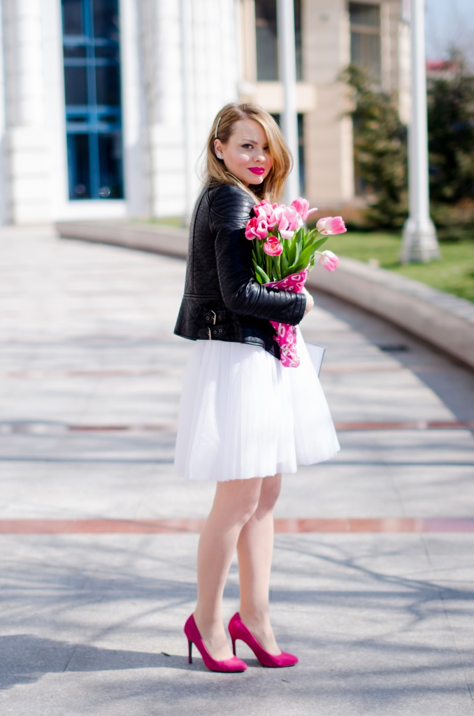 white-princess-dress-tulle-embroidered-pink-tulips-leather-jacket-birthday (2)