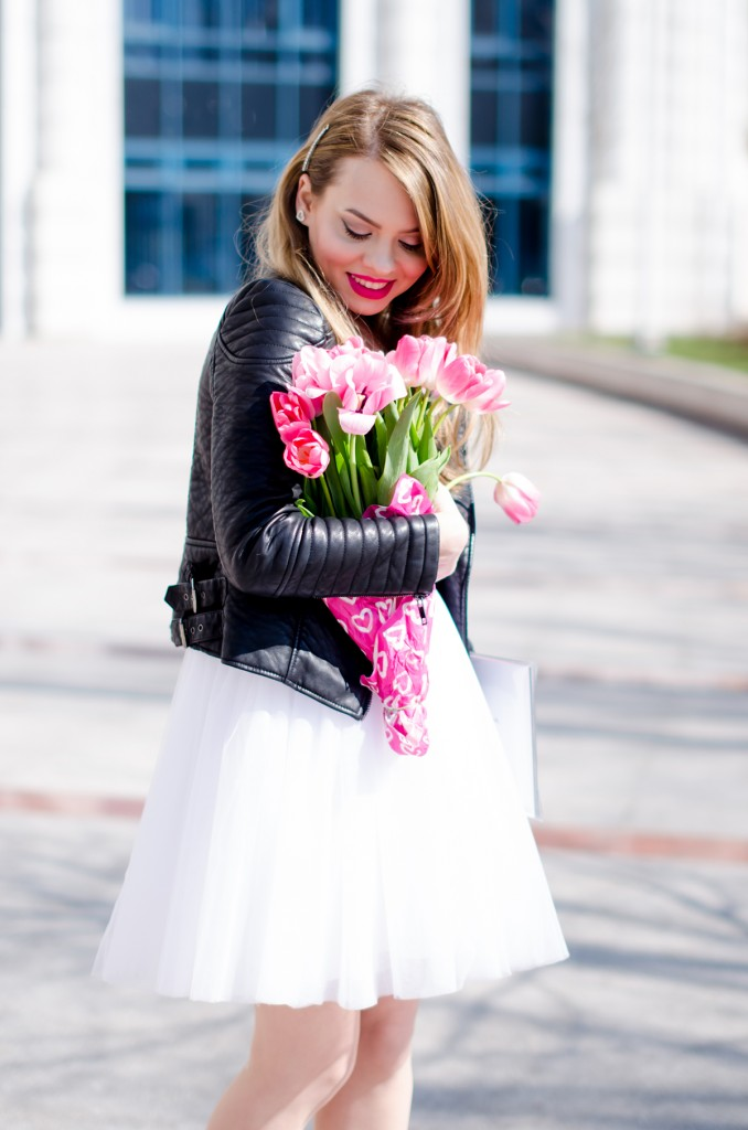 white-princess-dress-tulle-embroidered-pink-tulips-leather-jacket-birthday (3)