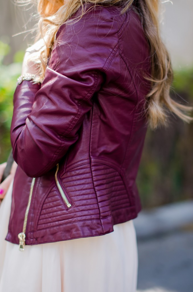 burgundy-leather-jacket-bershka-pink-sandals-burgundy-hat-powdery-pink-feminine-dress-h&m-outfit-pink-wish (11)