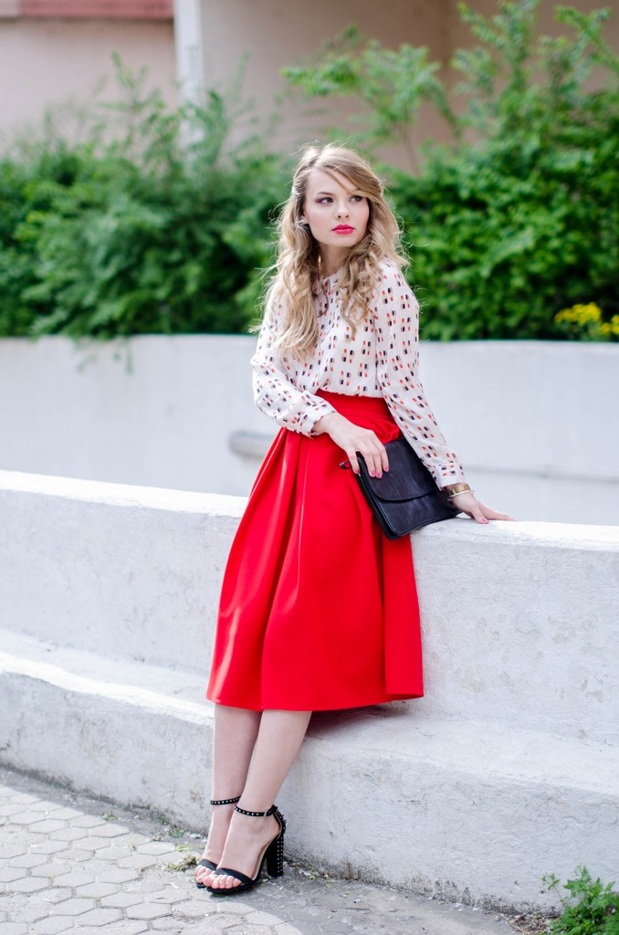 red-midi-skirt-lipstick-blouse-leather-jacket-zara-sanldas-outfit-fashion-pink-wish (1)