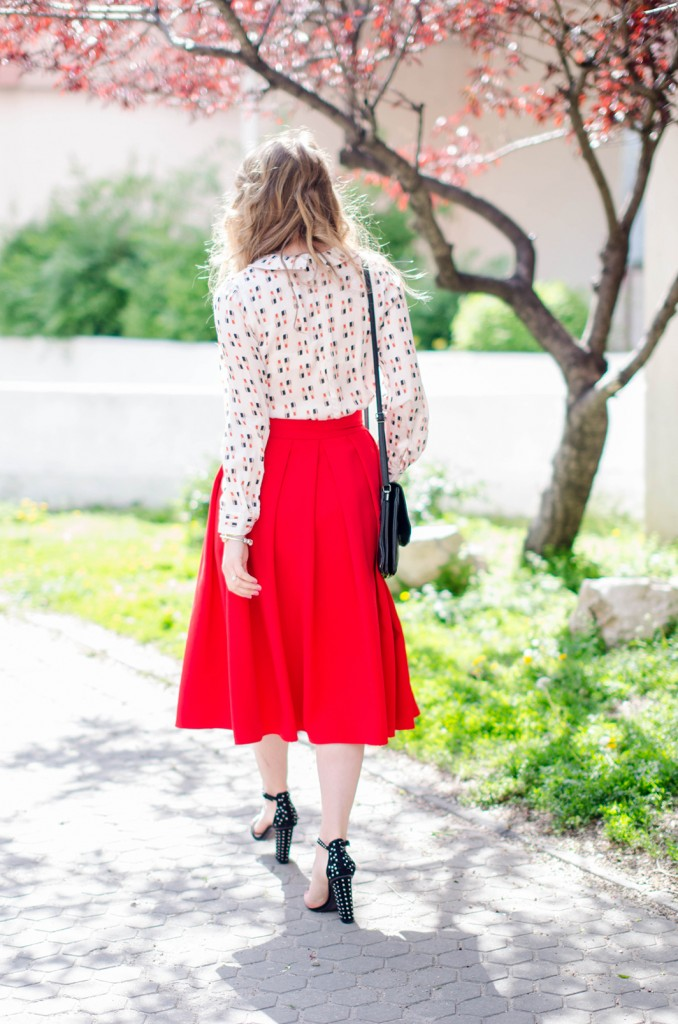 red-midi-skirt-lipstick-blouse-leather-jacket-zara-sanldas-outfit-fashion-pink-wish (10)