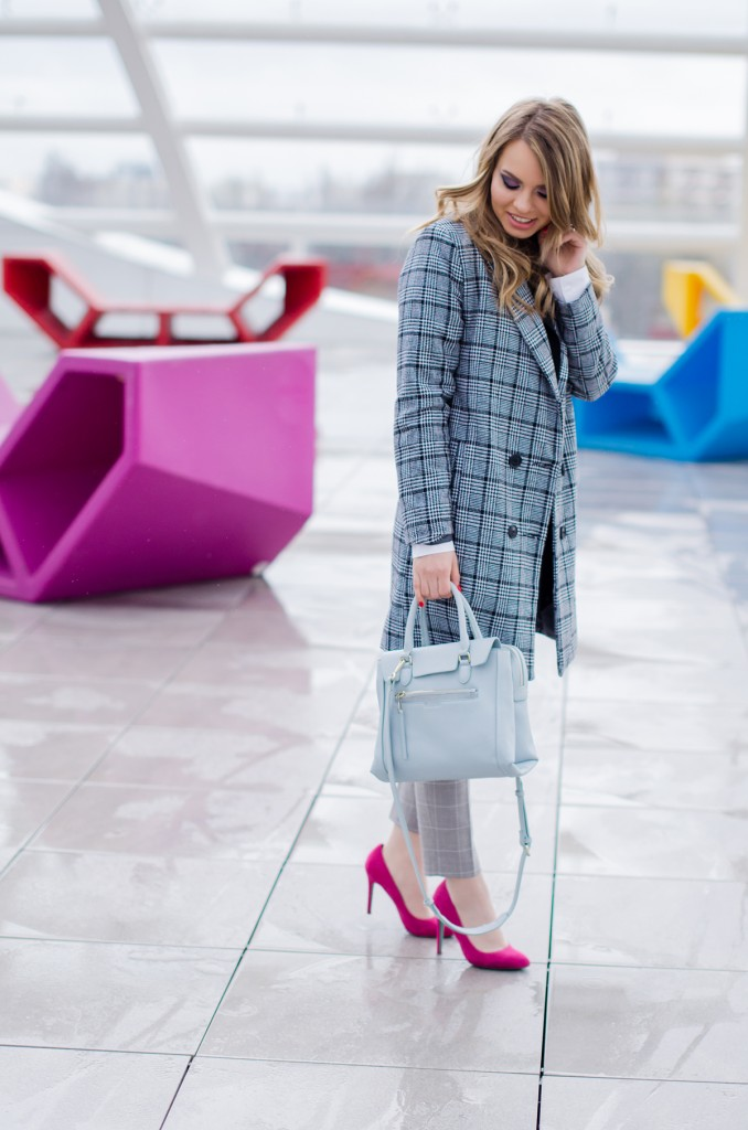 zara-grey-suit-pants-glen-plaid-coat-pink-heels-zara-baby-blue-bag-white-shirt (1)