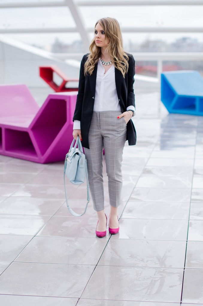 zara-grey-suit-pants-glen-plaid-coat-pink-heels-zara-baby-blue-bag-white-shirt (3)