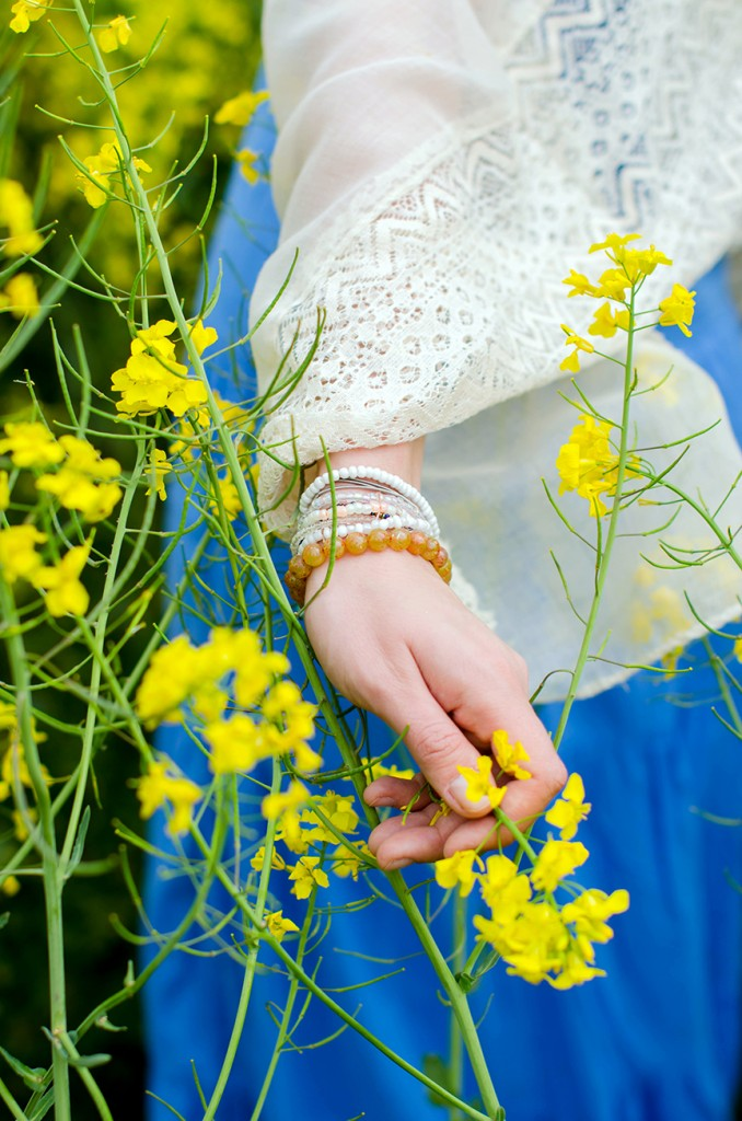 rape-field-yellow-blue-dress-bohemian-outfit-lace-fashion-blonde-pink-wish (1)