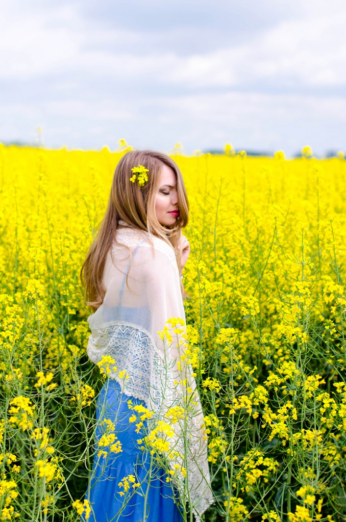 rape-field-yellow-blue-dress-bohemian-outfit-lace-fashion-blonde-pink-wish (12)