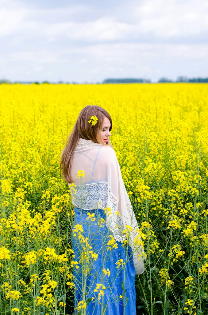 rape-field-yellow-blue-dress-bohemian-outfit-lace-fashion-blonde-pink-wish (14)
