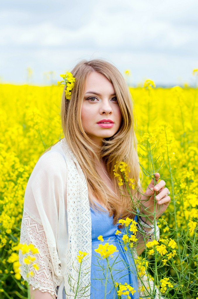 rape-field-yellow-blue-dress-bohemian-outfit-lace-fashion-blonde-pink-wish (16)