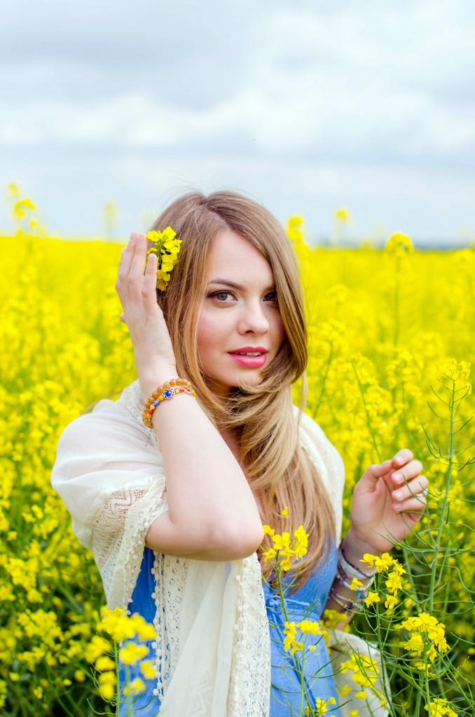 rape-field-yellow-blue-dress-bohemian-outfit-lace-fashion-blonde-pink-wish (17)