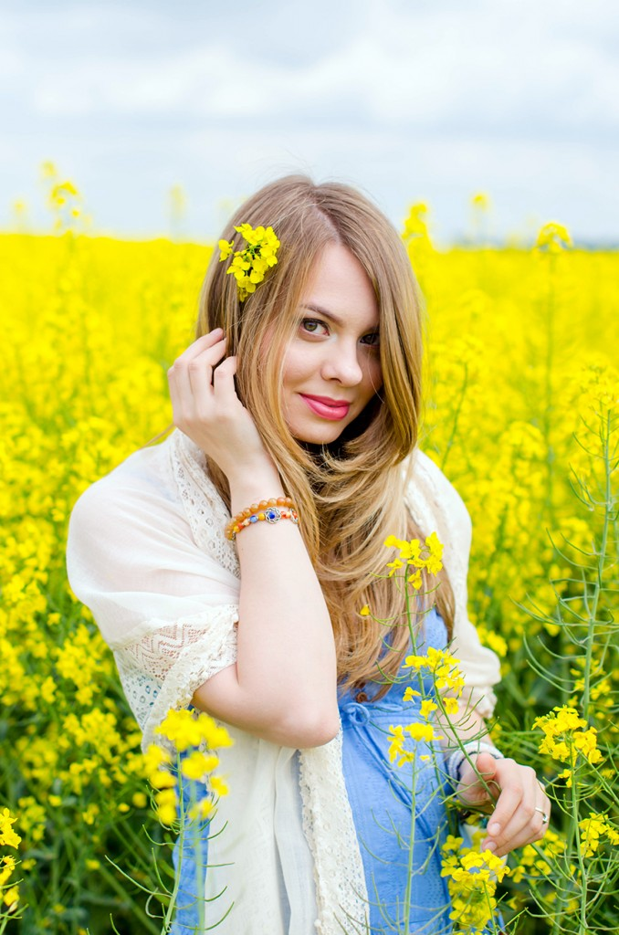 rape-field-yellow-blue-dress-bohemian-outfit-lace-fashion-blonde-pink-wish (18)