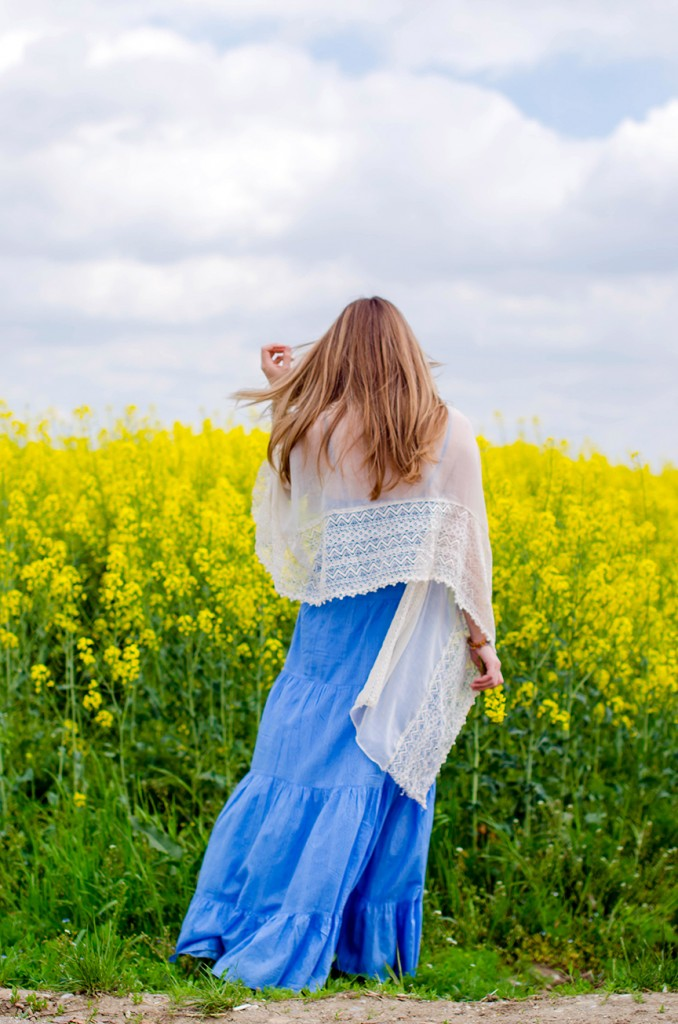 rape-field-yellow-blue-dress-bohemian-outfit-lace-fashion-blonde-pink-wish (2)