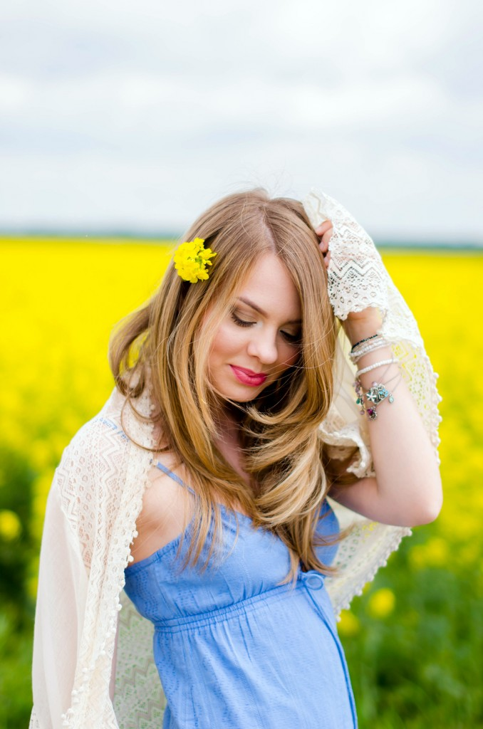 rape-field-yellow-blue-dress-bohemian-outfit-lace-fashion-blonde-pink-wish (4)