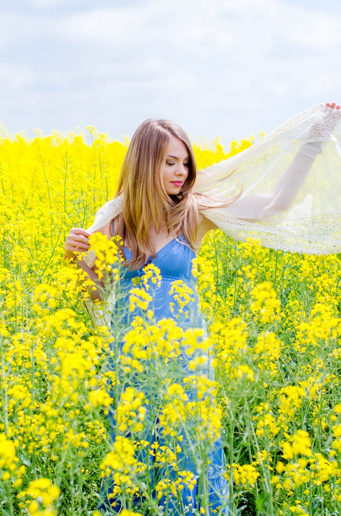 rape-field-yellow-blue-dress-bohemian-outfit-lace-fashion-blonde-pink-wish (5)