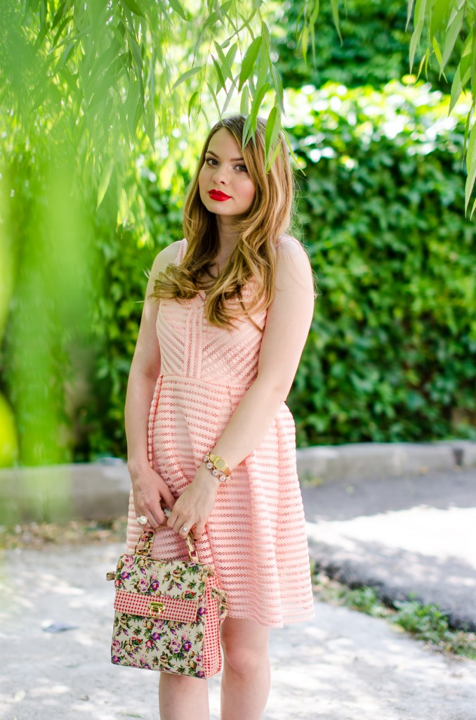 sheinside-mini-pink-peach-dress-floral-bag-outfit-fashion-pink-wish (11)