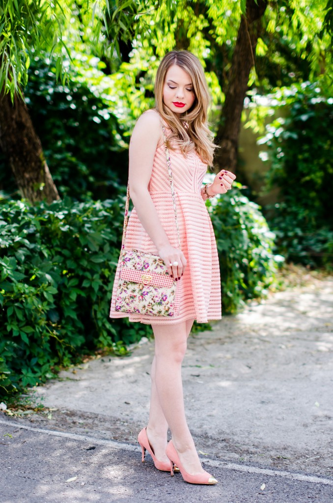 sheinside-mini-pink-peach-dress-floral-bag-outfit-fashion-pink-wish (7)