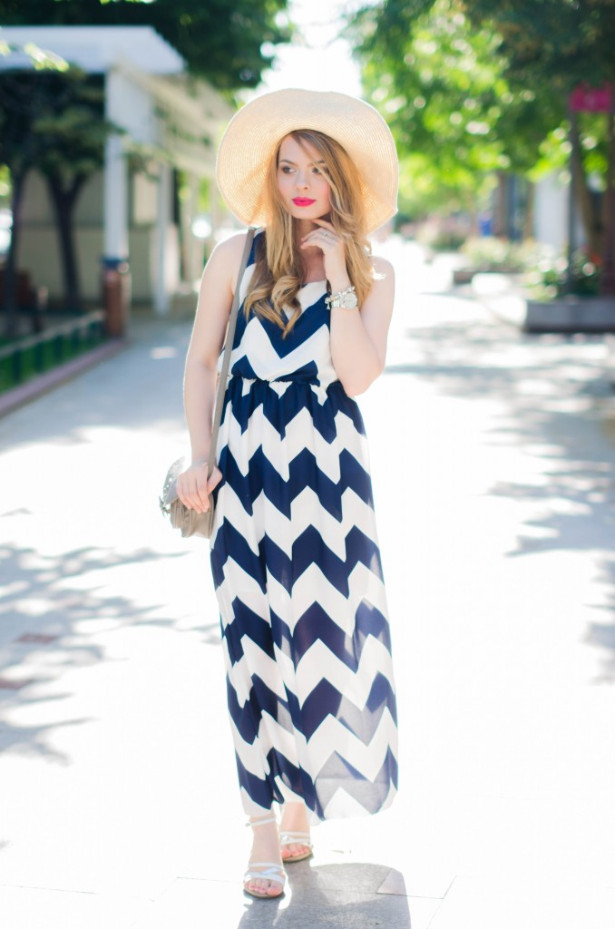 chevron-maxi-dress-white-blue-sun-hat-summer-outfit-fashion-pink-wish (10)