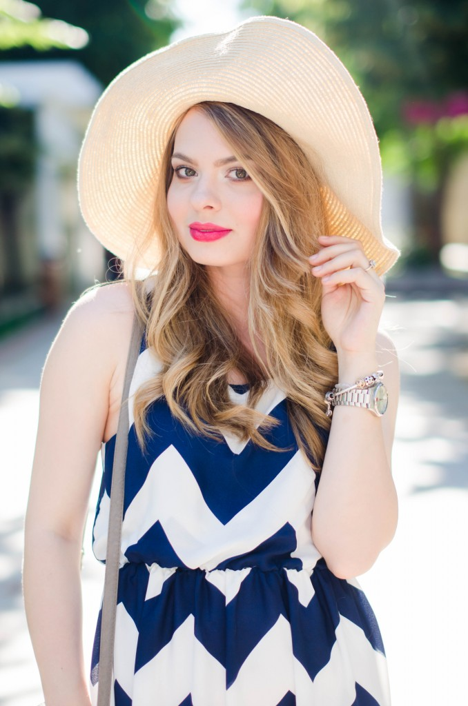chevron-maxi-dress-white-blue-sun-hat-summer-outfit-fashion-pink-wish (14)