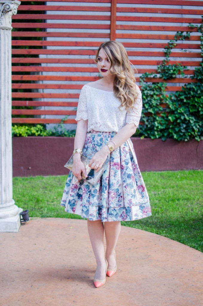 digital-divas-20015-bloggers-fashion-floral-midi-skirt-lace-off-shoulder-blouse (7)