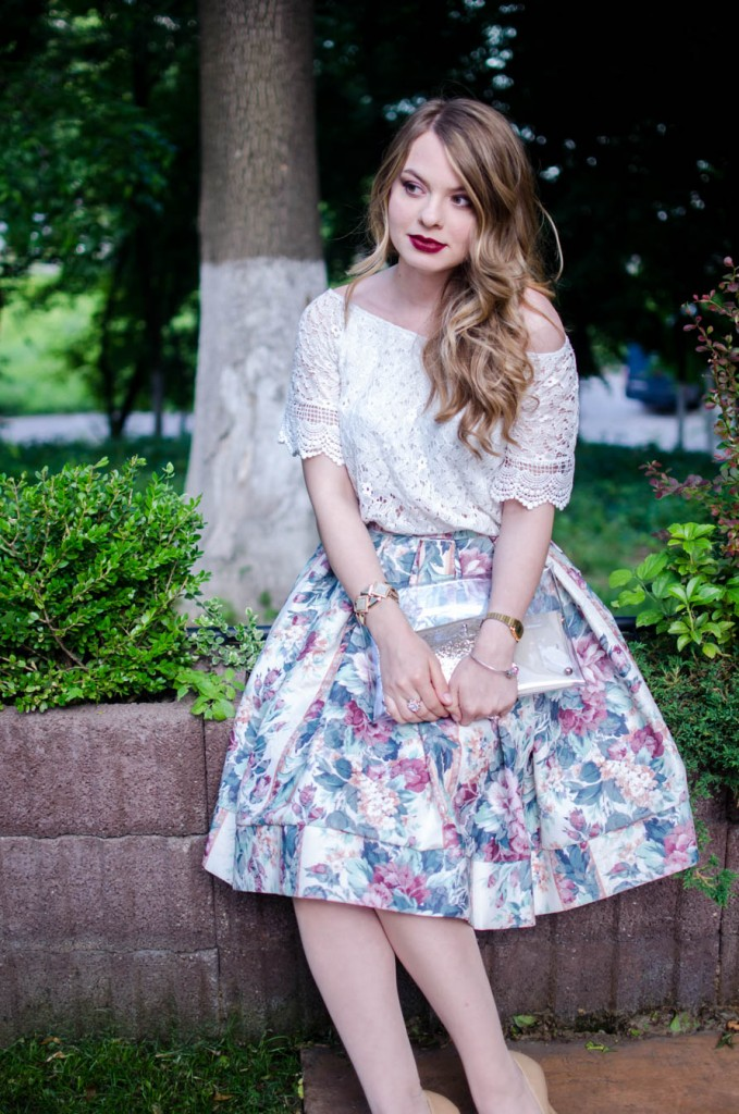digital-divas-20015-bloggers-fashion-floral-midi-skirt-lace-off-shoulder-blouse (9)