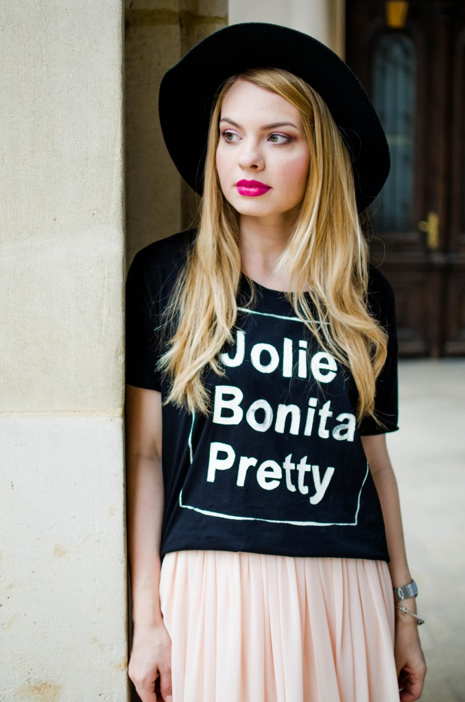 pink-long-dress-black-tshirt-bonita-jolie-pretty-black-hm-hat-24