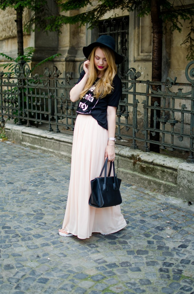 pink-long-dress-black-tshirt-bonita-jolie-pretty-black-hm-hat-5