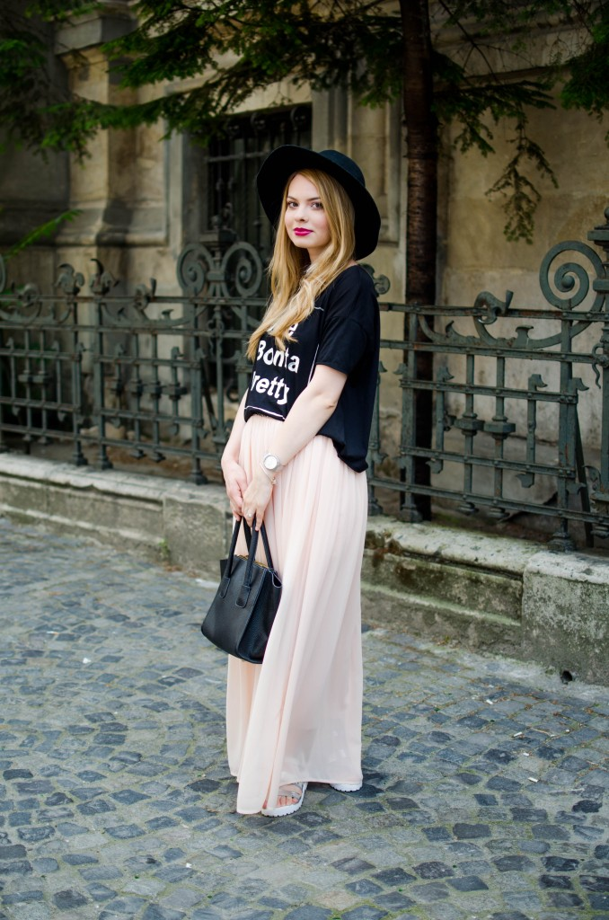 pink-long-dress-black-tshirt-bonita-jolie-pretty-black-hm-hat-6