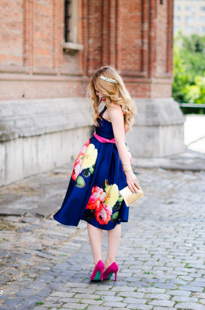 shein-blue-floral-midi-dress-pink-heels (1)